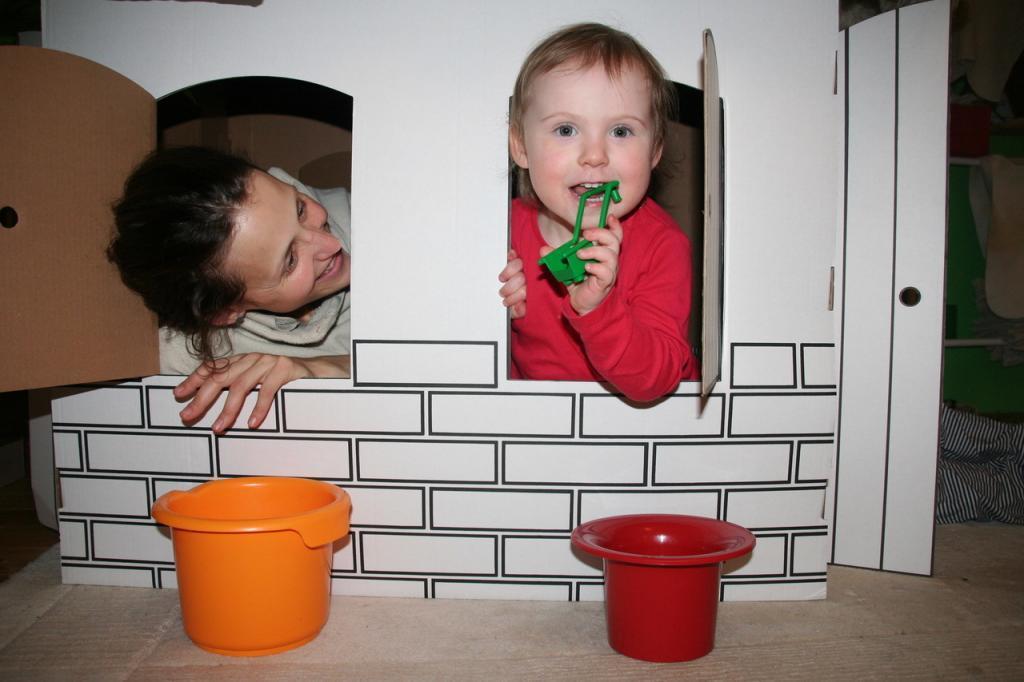 mama-se-diva-na-dvouletou-dceru-z-okna-domecku